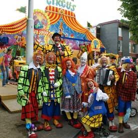 De Clowns streetparade voor elk evenement!